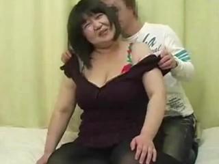 豊満爆乳熟女ハメ撮り (BOYJ-041)